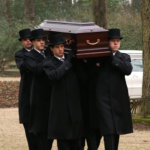 Begrafenisverzorging van Asselt - dragers zwarte jas